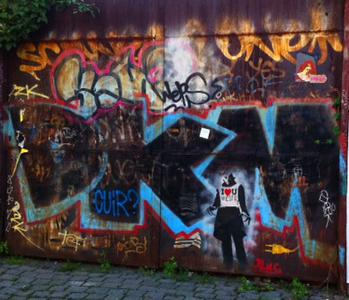 Alternative Berlin Bike Tour: Kreuzberg and Tempelhof