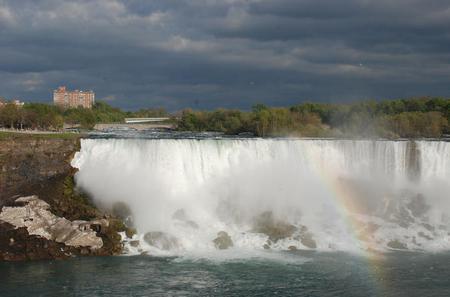 Small-Group Niagara Falls Day Trip