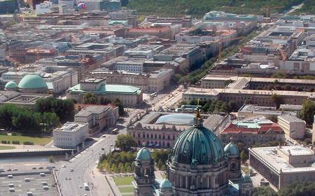 Berlin: Unter den Linden Walking Tour