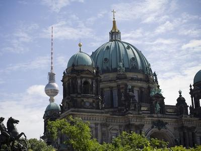 The Famous Insider Walk - Hidden Berlin and All Main Sites