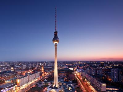 Berlin TV Tower Skip the Line Access and VIP Dinner