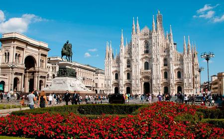 Milan Hop-on, Hop-off Tour by Tram with Milano Card