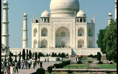 Full-Day Trip to the Taj Mahal from New Delhi