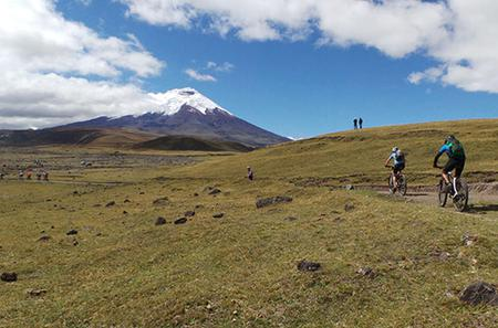 Cotopaxi National Reserve Bike and Hike Day-Trip