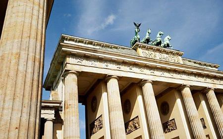 6-Hour Berlin Private Tour by Bus or Car