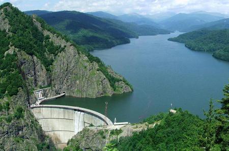 Luxury Private Tour from Bucharest to Poenari Citadel and Vidraru Lake