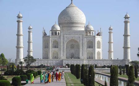 New Delhi: Overnight Trip to Taj Mahal with Private Car