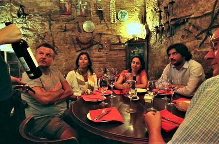 Tapas and Wine Experience Walking Tour in Barcelona