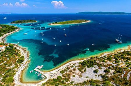 Half Day Boat Tour to Blue Lagoon and Trogir from Split