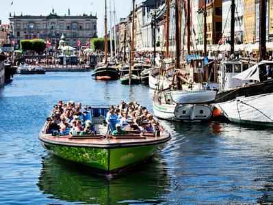 Guided Grand Tour of Copenhagen by Boat
