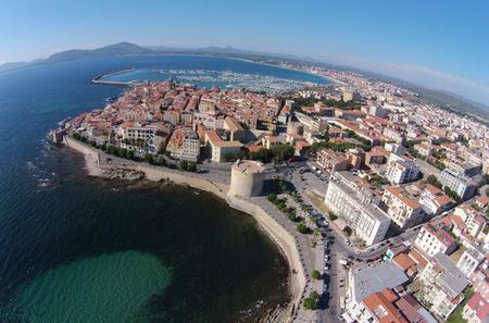 Full-day Tour in Alghero among History and Enogastronomy