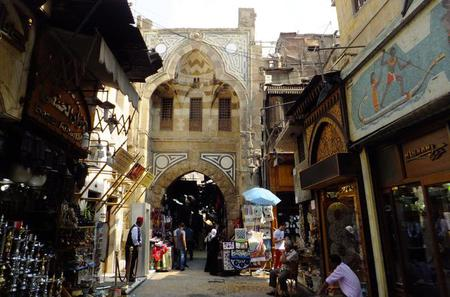 Full-Day Private Tour to the Giza Pyramids, Sphinx, Citadel and Khan El Khalili Bazaar