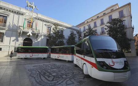 Granada: 1- oder 2-Tagesticket Hop-On/Hop-Off-Zug