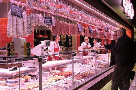 Lyon Food Walking Tour of the Old Lyon and Halles Bocuse with Tasting