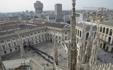Milan: Duomo & Rooftop Tour + Free Virtual Reality