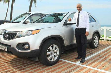 Private Departure Transfer: Colombo City to Colombo International Airport (CMB)