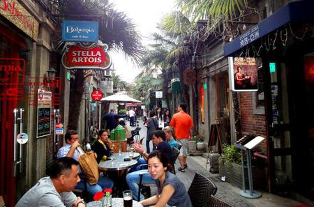 Luxury Tour: A Full Day Shanghai Experience including Lunch and Dinner