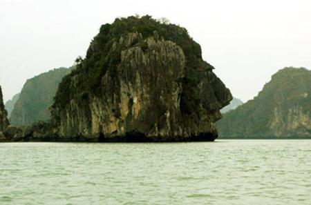 Great Ha Long Bay Kayaking Cruise From Cai Lan Port