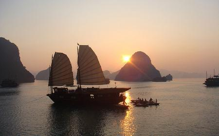 Spectacular Halong Bay 2-Day Tour