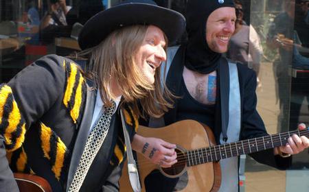 Hamburg: Kiez Geh rock revue on the Reeperbahn