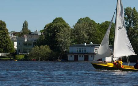 Hamburg: Alster Lake Private 2-Hour Family Sailing Tour