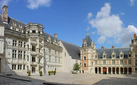Small Group Day Tour: Chambord, Blois & Cheverny