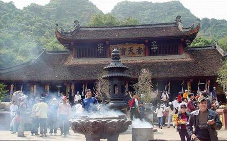 The Perfume Pagoda of Vietnam: Full-Day Tour from Hanoi