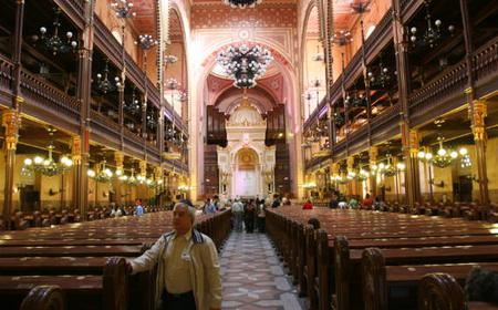 Jewish Heritage Guided Walking Tour in Budapest