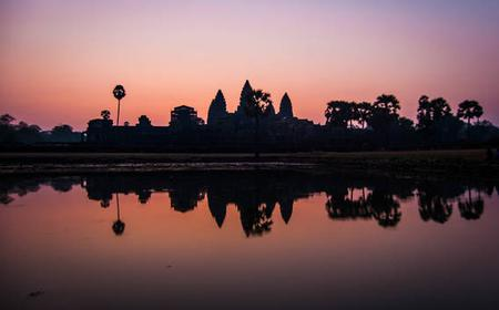 Angkor Wat Sunrise: Small Group Tour