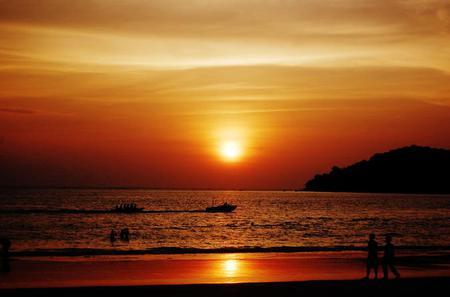 Langkawi Sunset Cruise Including Dinner