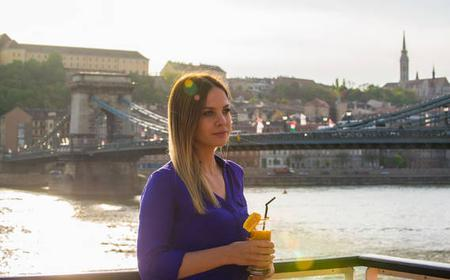 Budapest: Cocktail Cruise & Spa Entry