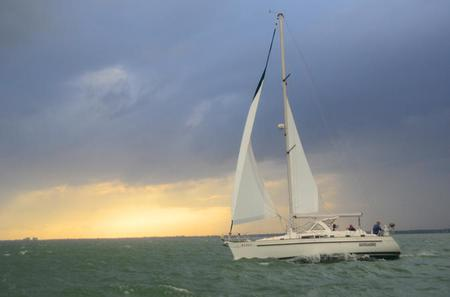 Half Day Private Sailing Trip on Miami's Biscayne Bay with Professional Photographer