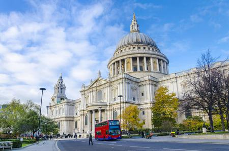 Viator Exclusive: Small-Group London Sightseeing Tour Including Guided British Museum Visit, St Paul's Cathedral and Tower of London