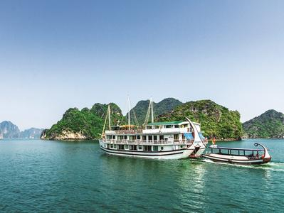 Ha Long Bay 3-Day Cruise with Pre-Cruise Accommodation in Hanoi