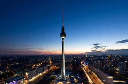 Skip the Line Berlin TV Tower: Berlin by Night