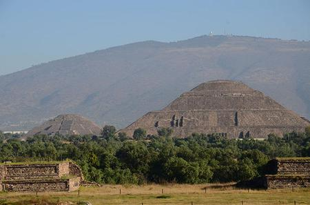 Private Tour: Basilica of Guadalupe and Teotihuacan