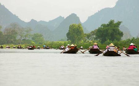 Full-Day Pilgrimage to Vietnam's Perfume Pagoda from Hanoi