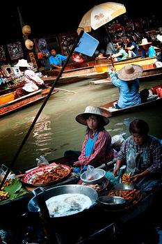 Bang Nampheung Floating Market
