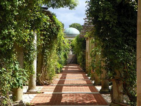The Hill Garden and Pergola