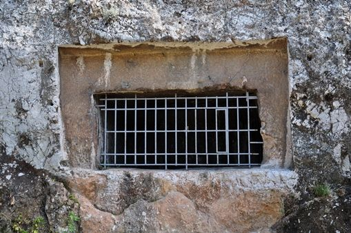 Kimons Tombs