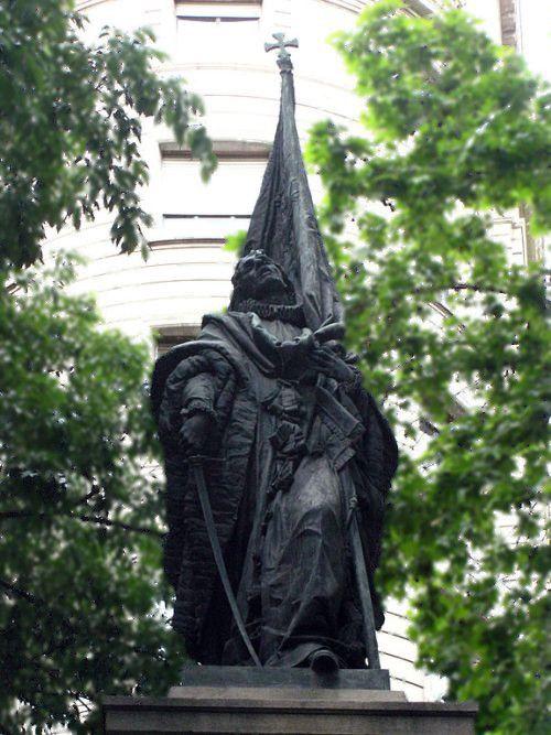 Monument a Rafael Casanova