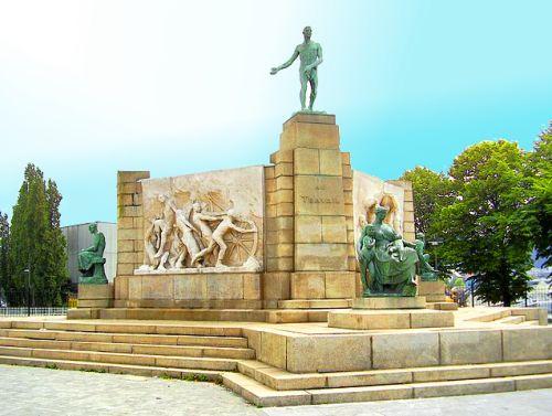 Monument au Travail