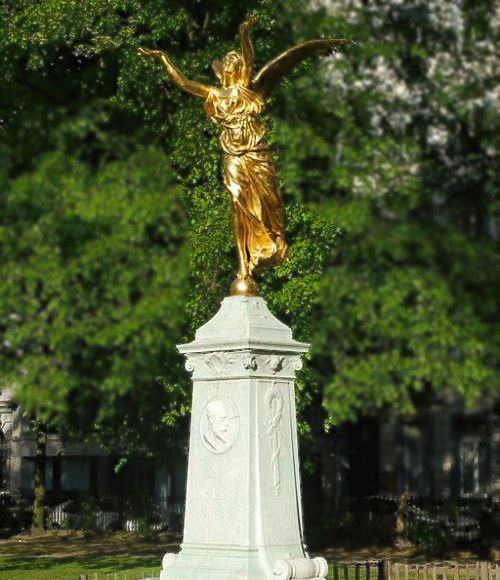 Monument to Julien Dillens