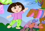 Vistiendo lo más mona posible a Dora