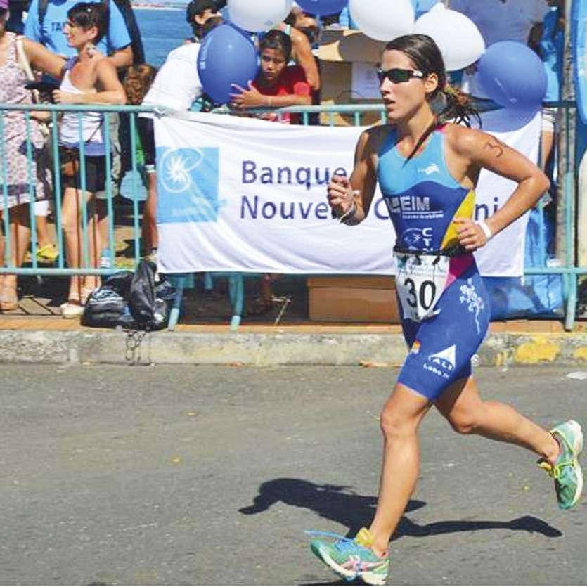 Traileuse assidue, Axelle Nardoux, ici lors du dernier Trail de la Ouenghi où elle a terminé à la 2e place du classement féminin, évolue dans un milieu très sportif depuis sa jeunesse, grâce à sa famille.