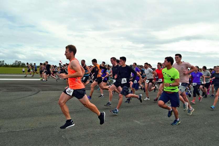 368 participants se sont élancés à l'assaut de la piste samedi, sur 450 inscrits (500 en 2018). Trois malaises mis à part, tous les sportifs ont parcouru les 5 km jusqu'au parvis.Photos J.J. et CCI
