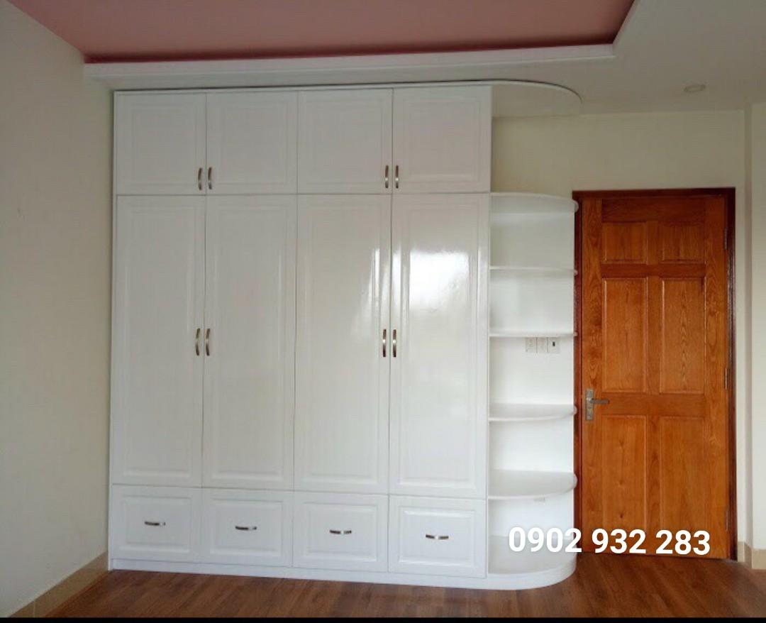 Tủ áo gỗ sồi sơn trắng cao đụng trần giá m2