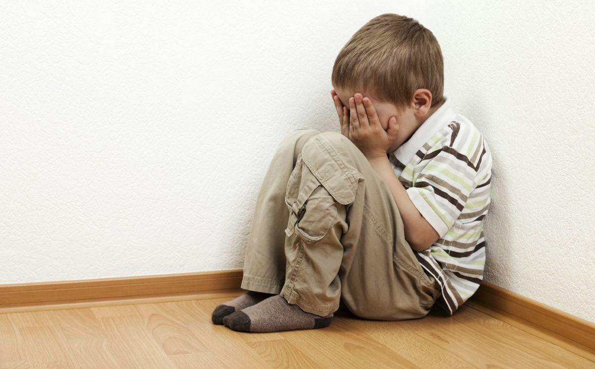 Giúp bố mẹ hiểu về nỗi sợ bóng tối và ma quỷ ở trẻ nhỏ
