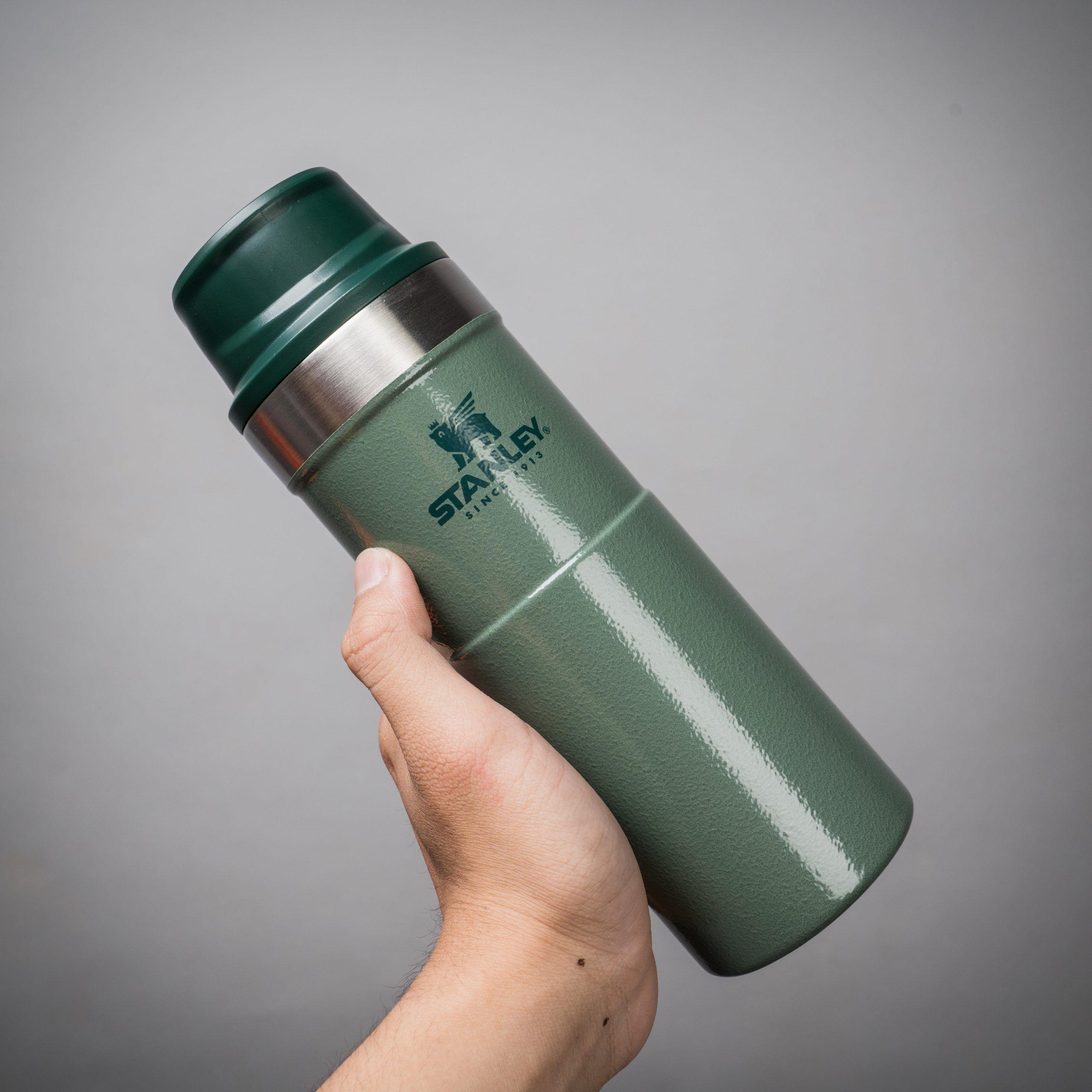 Stanley Bình giữ nhiệt Classic Trigger Action Travel Mug 16oz | 470ml -  Green