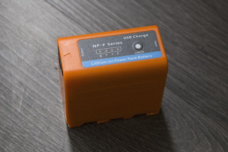 Pin F970 Pro 7800maH - USB charger - Báo dung lượng - Kiêm sạc dự phòng